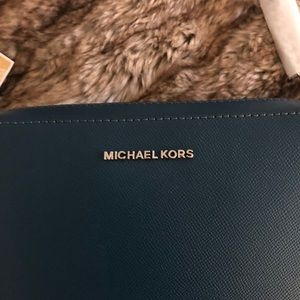 Michael Kors Bags - 🍂🍂Michael Kors New Purse
